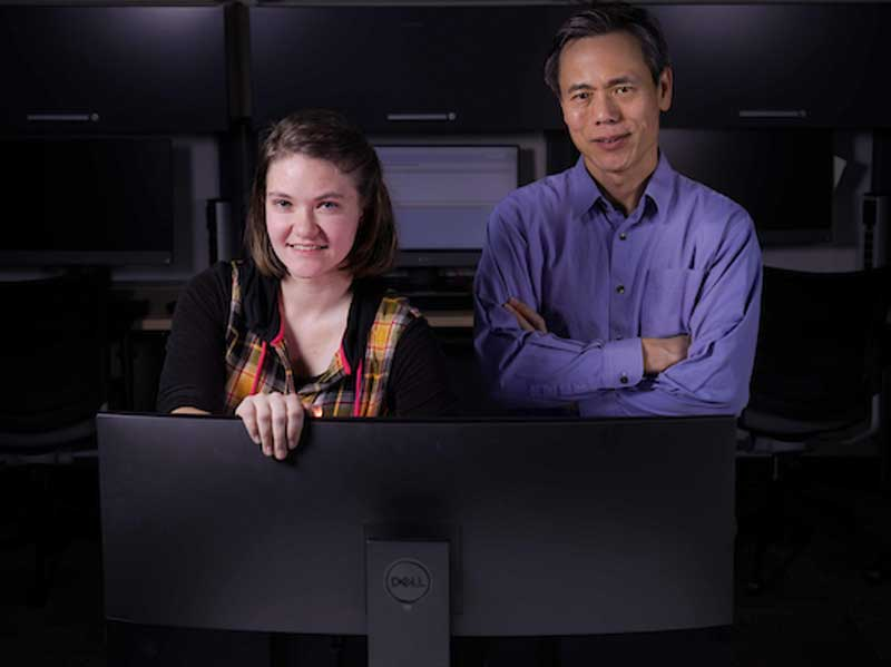 Ruth Bearden and Dr. Dan Lo in the computer lab.